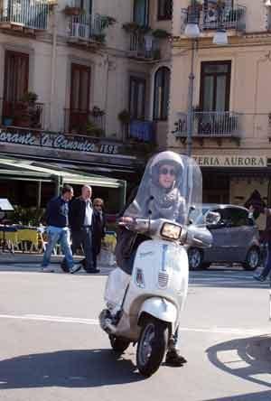 Op de scooter je vakantie omgeving verkennen