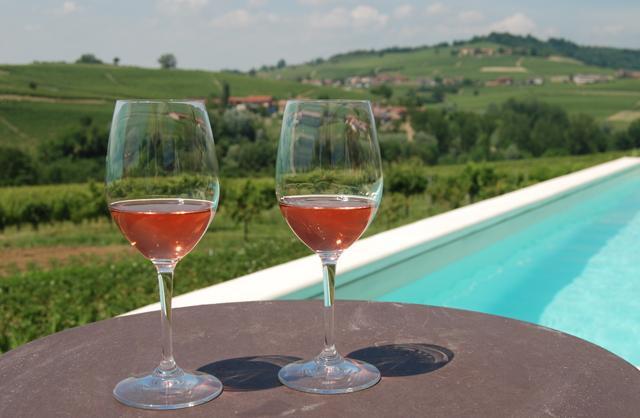 Lichte Rode Wijn : Wijn uit piemonte italietips